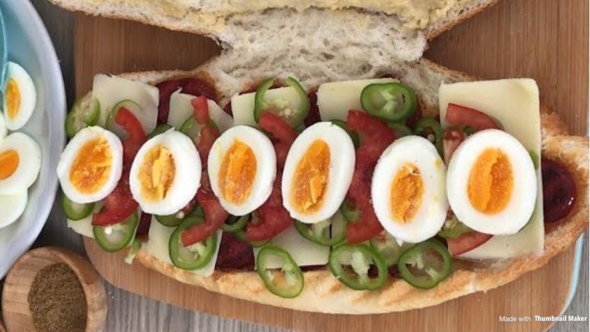 Yumurtalı Humuslu Tost